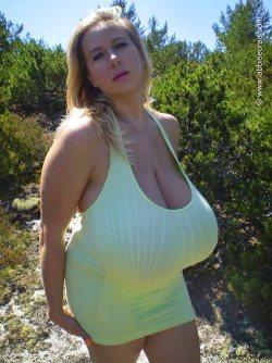 Nackt turquoise abbi secraa Abbi Secraa
